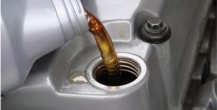 Колко е важно да се сменя маслото на двигателя